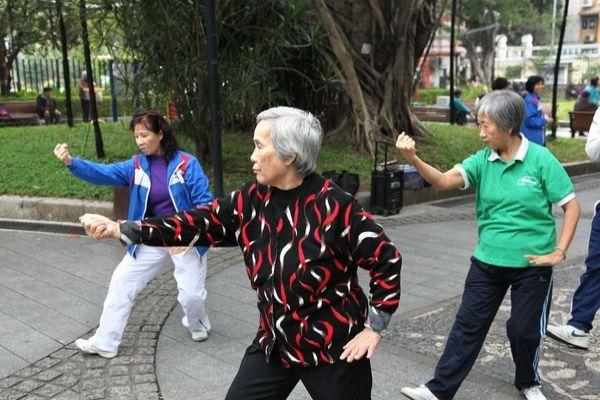 2 Bí quyết tăng cường sức đề kháng cho người lớn tuổi
