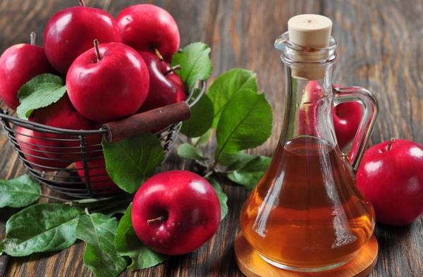 Giảm acid uric máu bằng giấm táo