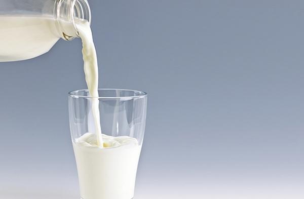 Sữa tươi có tác dụng tẩy tế bào chết